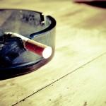 Pykanie szlugów jest jednym z z większym natężeniem zgubnych nałogów